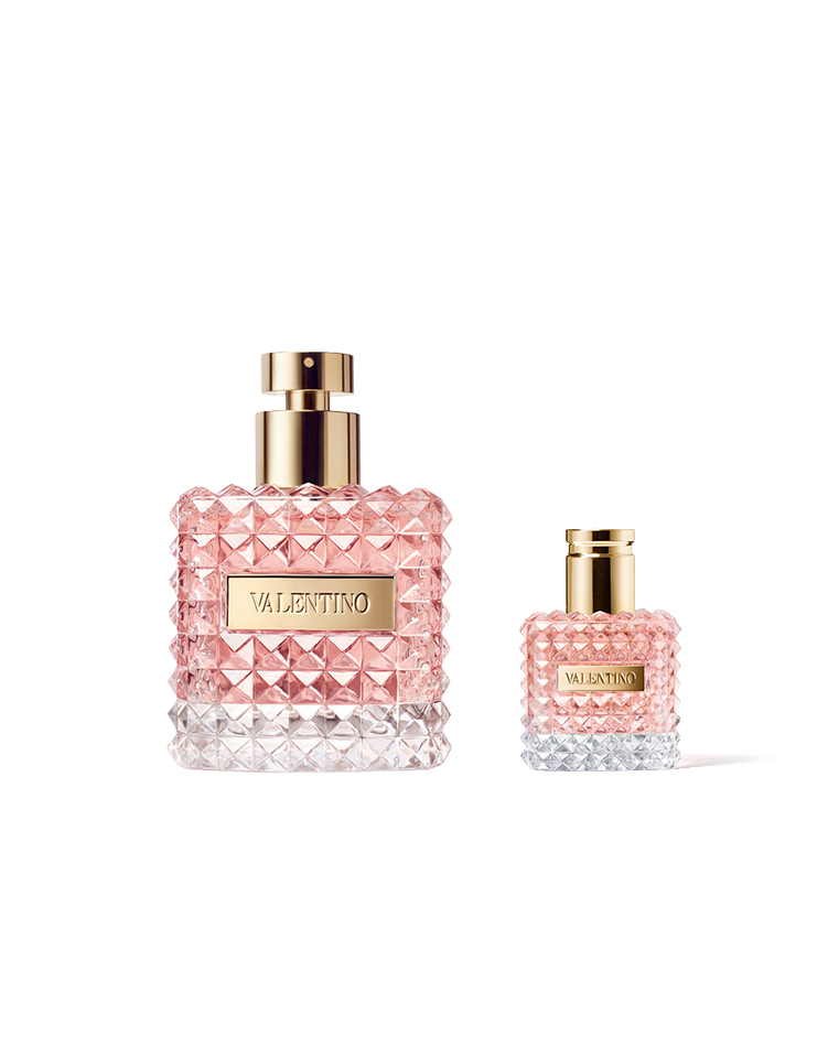 7ba6d52cef Everything a woman wants from her perfume is to reflect the sensual side of  her personality and add a fresh touch to her look. This result could never  be ...